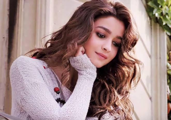 cute girl alia bhatt:)